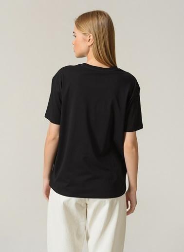 People By Fabrika Kadın Baskılı  Tişört PFKSS21TS0106 Siyah